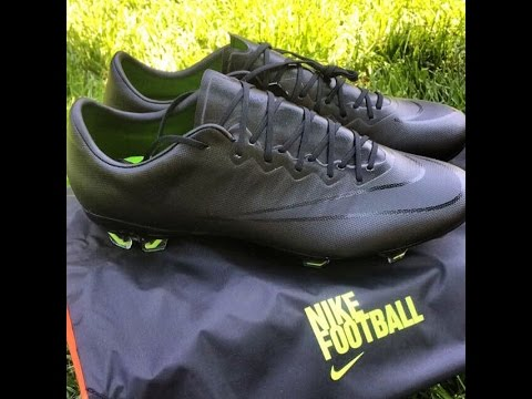 blackout nike mercurial vapor