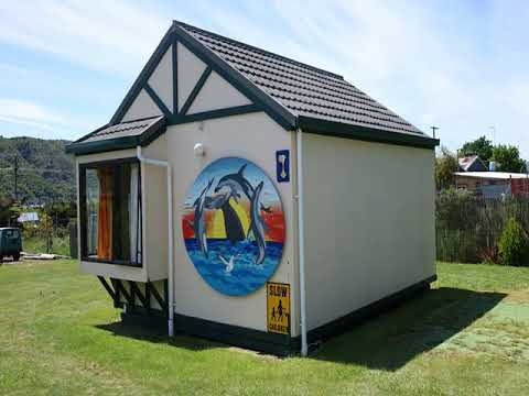 Picton's Waikawa Bay Holiday Park and Park Motels - Picton - New Zealand