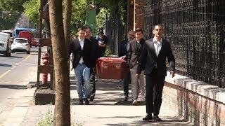 Koporsót vitt a román nagykövetségre a Mi Hazánk