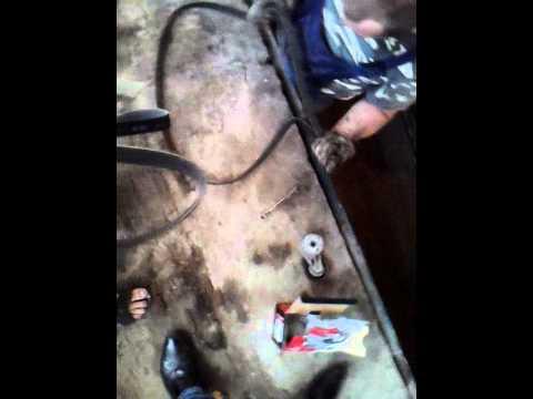 как поменять натяжной ролик на киа рио 2012 видео