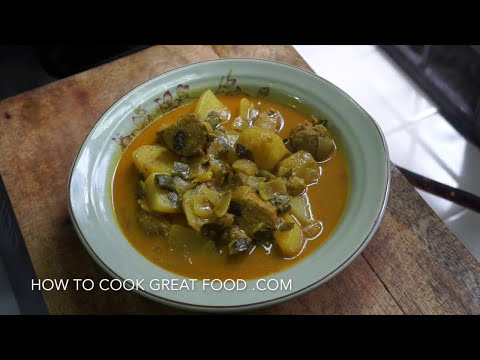 Simple Pork & Potato Curry Recipe