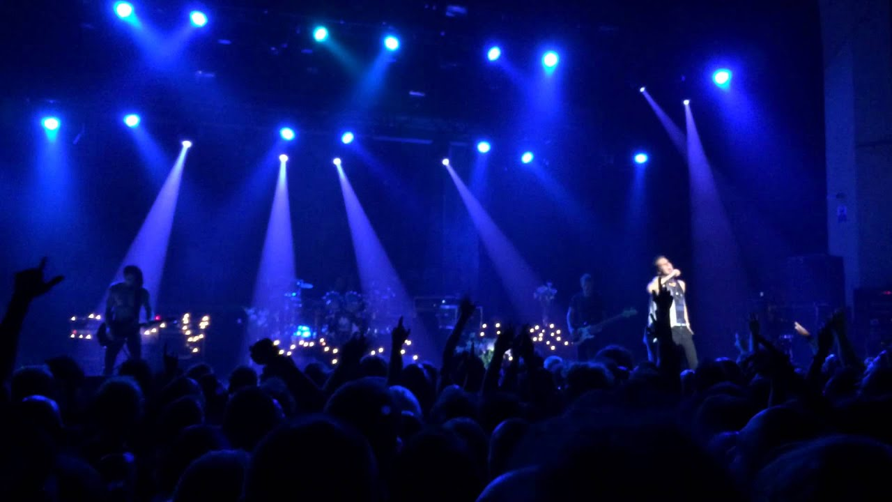 janes-addiction-standing-in-the-shower-thinking-live-at-brixton-20-08-14-brenotube