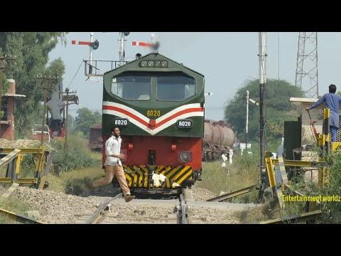 Pakistan Railways | AGE-30 6020 with Dn Cm A3 Oil Train departure Faisalabad Dry Port | 12.10.2018