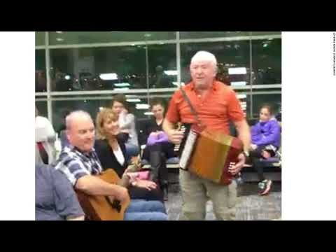 Newfoundlanders Turn Delayed Flight Into A Singalong