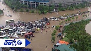 Xót xa hàng trăm xế hộp ngâm nước sau mưa   VTC