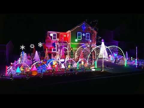 You Make It Feel Like Christmas Gwen Stefani Ft  Blake Shelton 2017 Onstott Christmas Extravaganza