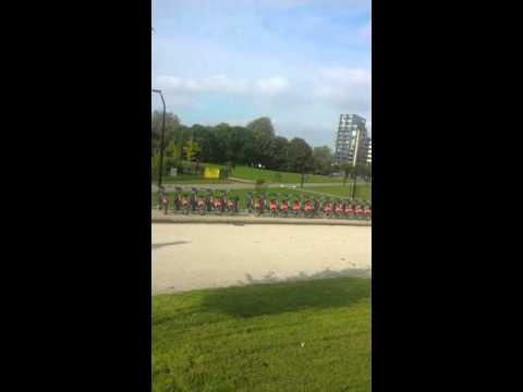 Shoreditch Park- London...Passeando no Park com a Bellinha