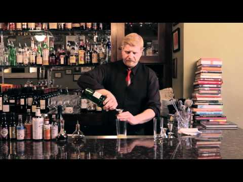 how-to-make-a-french-75---drinkskool-cocktails
