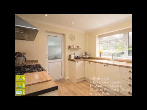 Detached Family Home in Pondtail, Fleet