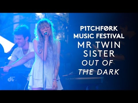 "Mr Twin Sister perform ""Out of the Dark"" - Pitchfork Festival 2015 Mp3"