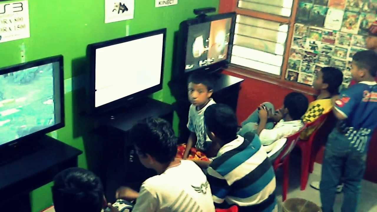 Sala de videojuegos zona master 2012  YouTube