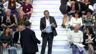 Repeat youtube video E diela shqiptare - Shihemi ne gjyq! (23 nentor 2014)
