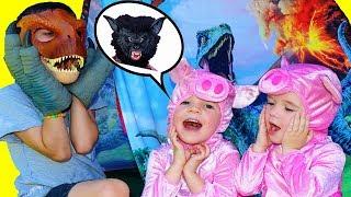 3 Little Pigs See Jurassic World DINOSAUR & Incredibles 2 Jack Jack Short
