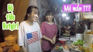 2 em gái song sinh bán hủ tiếu mỳ ngon tuyệt đỉnh khiến khách ngẩn ngơ