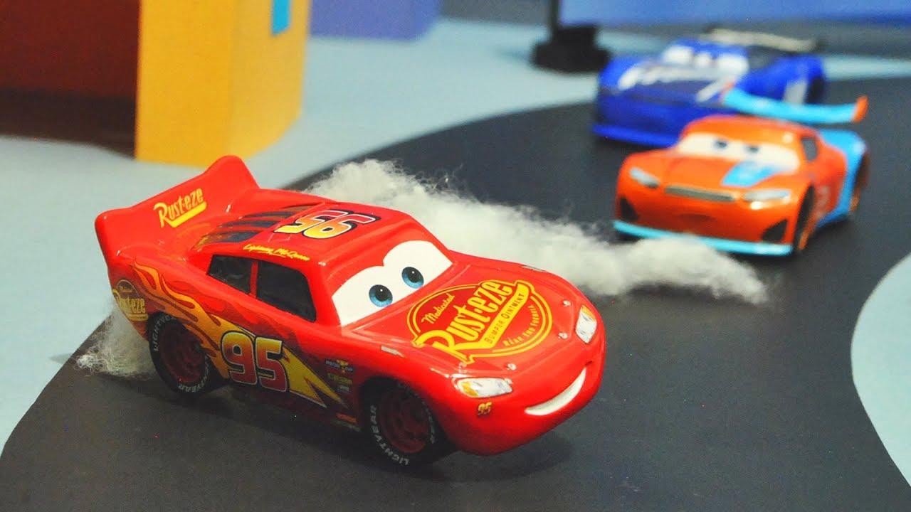 Disney Cars 3 Lightning Mcqueen S Crash Stopmotion Youtube