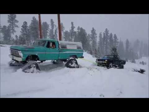 tracks-vs.-tires-in-snow