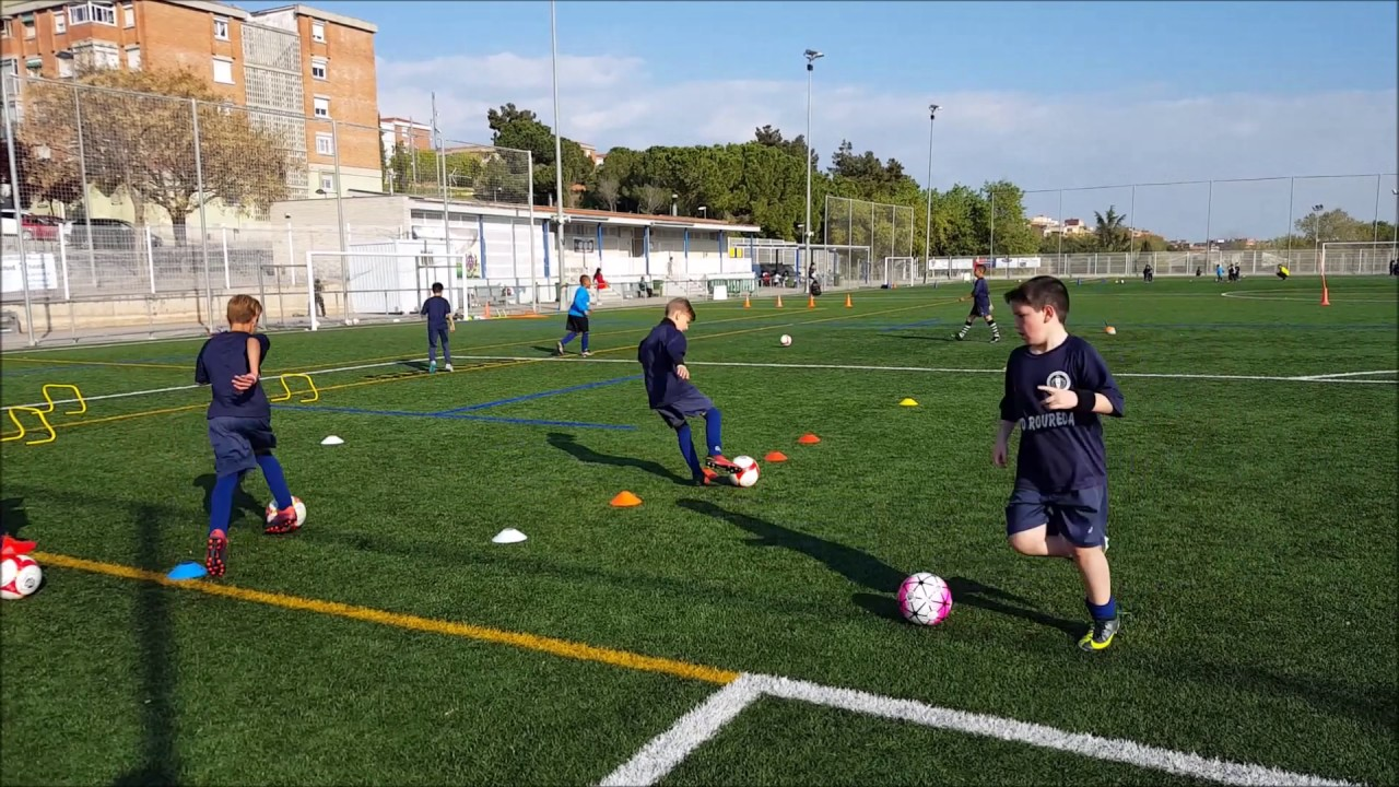 Circuito Tecnico Futbol : Ejercicio de fútbol circuito técnico coordinación youtube