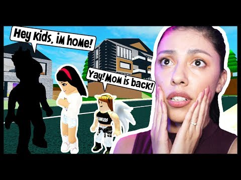 OUR MOM IS BACK HOME & NOW MY ANNOYING LITTLE SISTER HATES ME! - Roblox Roleplay - Robloxian Life