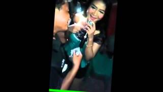 Download Video Dangdut saweran porno MP3 3GP MP4