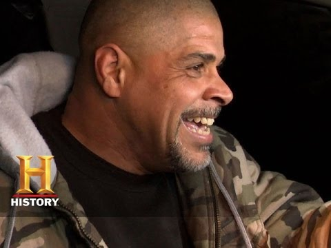 Download Big Rig Bounty Hunters: Shawn and Vince Steal Back a Truck (S2, E1) | History