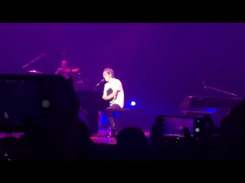 Charlie Puth - Losing My Mind (Live in Manila)