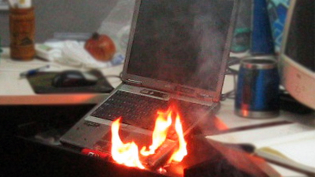 Dell Laptop Explodes And Bursts Into Flames  YouTube