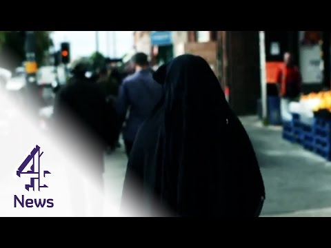 What's life like for British Muslims?   Channel 4 News