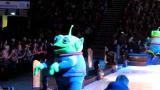 disney on ice   toy story can you move it like this?   end