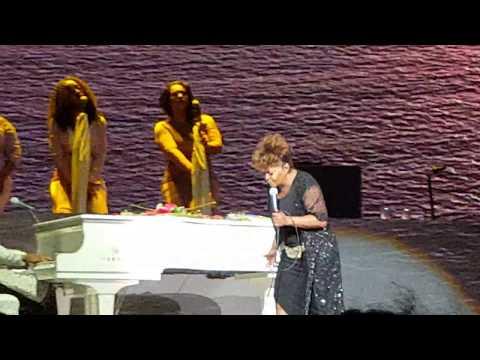 "Anita Baker: ""Whatever It Takes"" - Radio City Music Hall New York, NY 2/13/19"