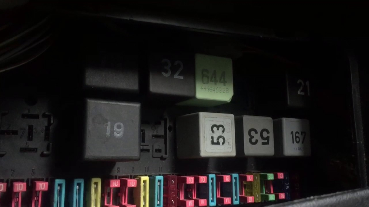 mk2 golf 1 8 gti digi fusebox issue youtube fuse relay box mk2 fuse box [ 1280 x 720 Pixel ]