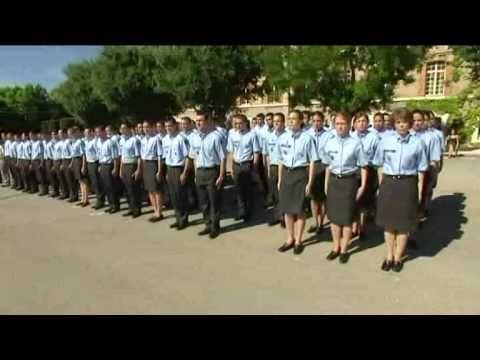 Lyc e militaire aix en provence youtube for Ecole militaire salon de provence