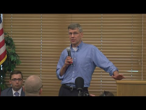 Rep. Paulsen Faces 3rd District Constituents In Town Hall Meetings