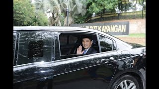 Azmin persembah nama calon MB Selangor
