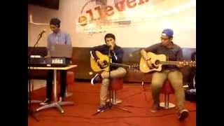 The Tiren Chicken - Tentangmu Accoustic Perform at KFC DM