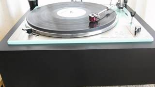 Wide Eyed Girl On The Wall - The Small Faces on a Goldring Lenco GL75.AVI