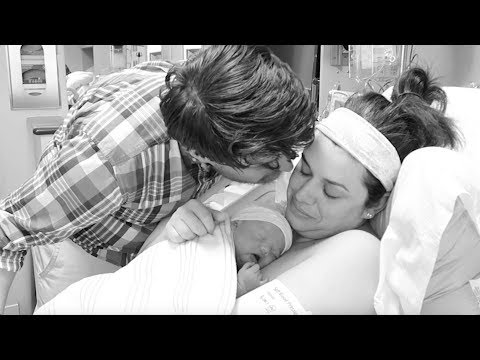The Birth Vlog : Hello Elizabeth!  (PG)