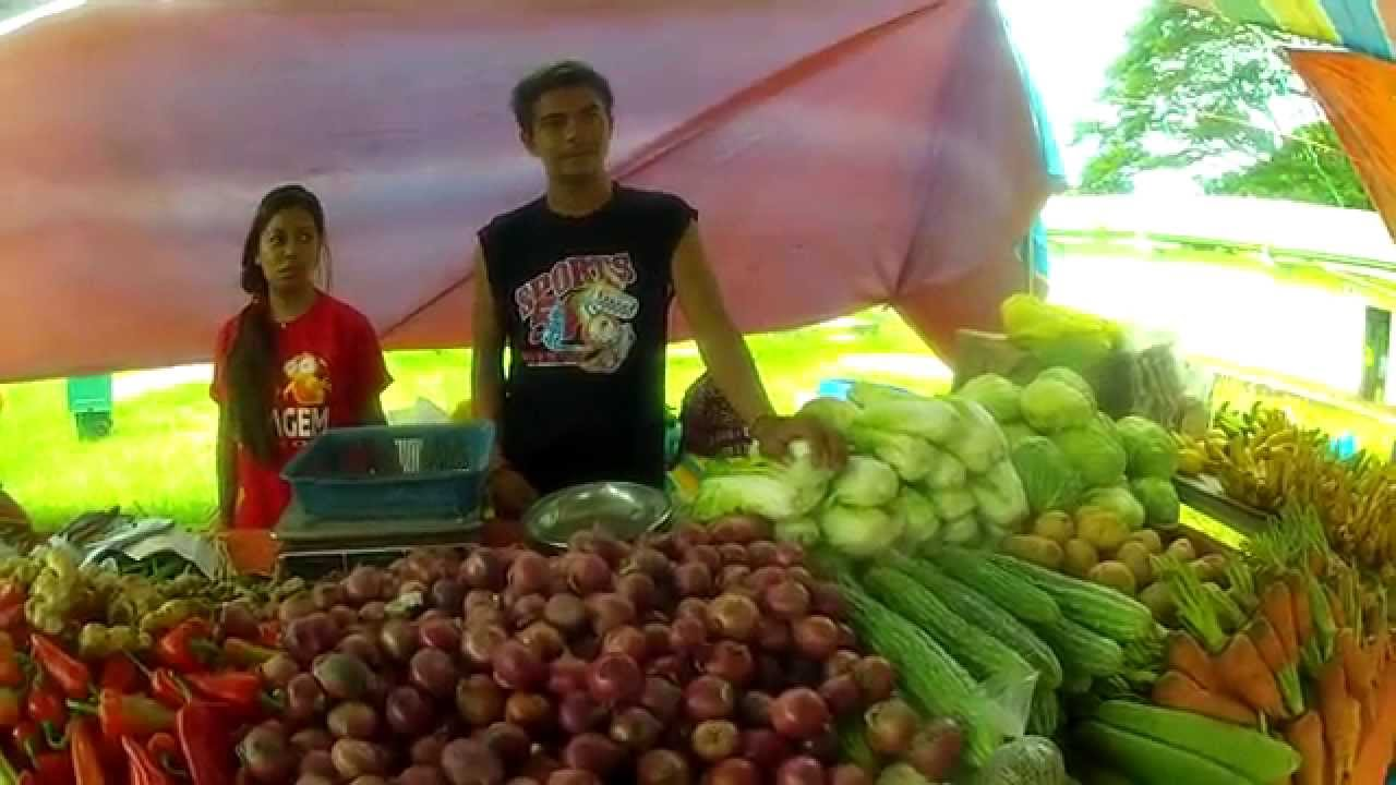 PHILIPPINE FARMERS MARKET Fresh Fruit And Vegetables In The - The 10 freshest farmers markets in canada