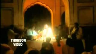 FARIDA KHANUM LIVE IN CONCERT      AAJ JANE KI ZID NA KARO   YouTube