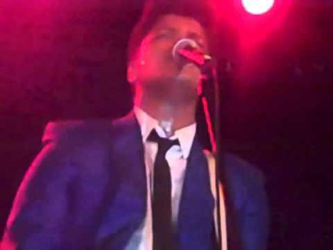 Bruno Mars - Grenade [NYC Bowery Ballroom]