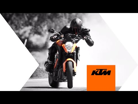 KTM 1290 SUPER DUKE R Action video - Redux