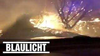 Kalifornien - Polizist fährt durch die Feuer-Hölle / Dashcam-Video