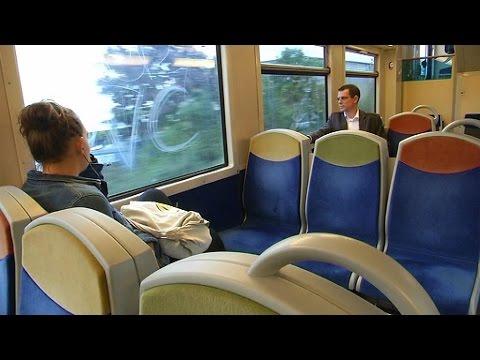 SNCF: des usagers en colère font la grève de présentation des billets