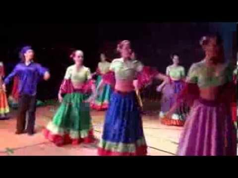 İzmir Karşıyaka T.c.Meb.Özel Bestem Bale Kursu 2013 Yılsonu Gösterisi