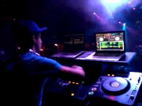 DJ Mainz @ XS Nightclub - Club Going Nuts *Toronto, Ontario*