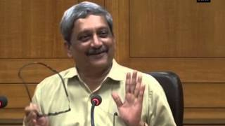 Parrikar reacts to Pak Minister