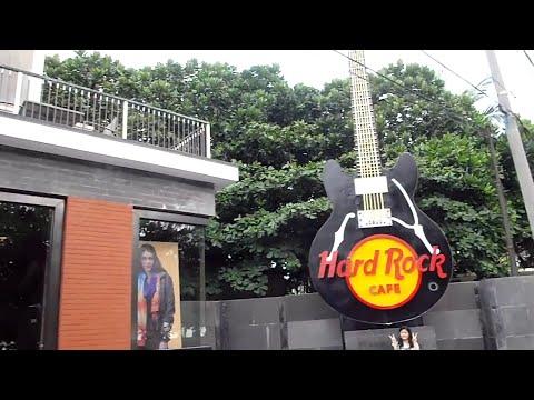 Hard Rock Cafe traffic- Kuta beach (Bali Indonesia)