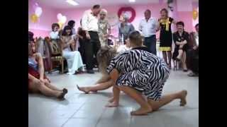 свадебные конкурсы(старенькие, но веселые конкурсы., 2012-07-02T15:26:25.000Z)