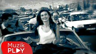 Yıldız Tilbe - Dili Ballım (Video)