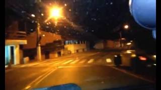 Cuidados ao dirigir à noite (evite o ofuscamento da visão)