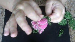 Бутон розы из бисера. Мастер - класс. Бисероплетение.(Цветочек изготавливается французской техникой плетения. Для работы необходимо: - бисер розовый, белый,..., 2015-12-14T13:21:38.000Z)